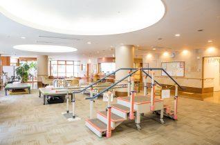 全室個室ユニット型介護老人保健施設やまき・あべの苑